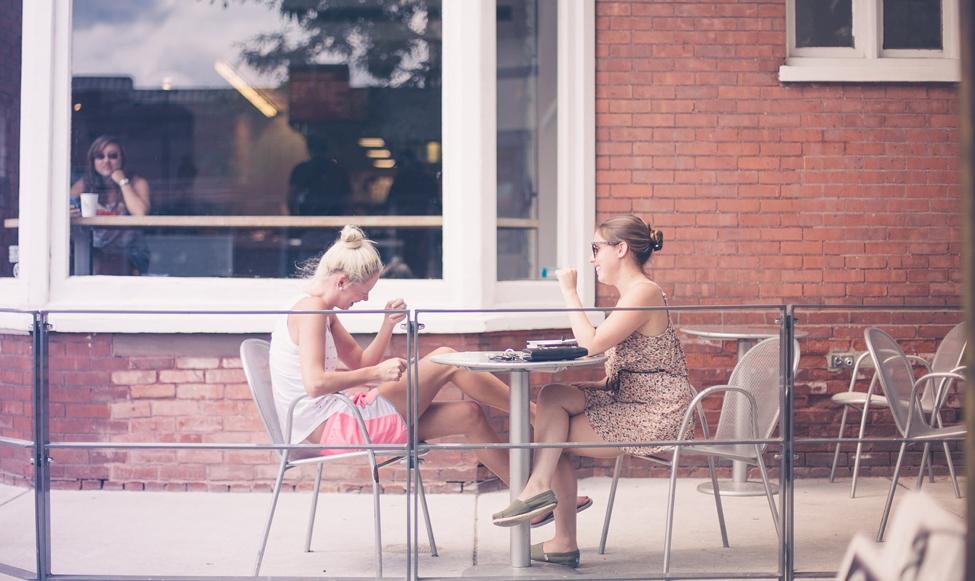 2 friends on a coffee date